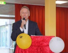 Bezirksbürgermeister Herr Dr. Wagner